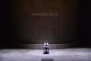 """Marguerite (Krassimira Stoyanova) im Kerker - """"Faust"""" - Charles Gounod - Deutsche Oper Berlin © Holger Jacobs"""