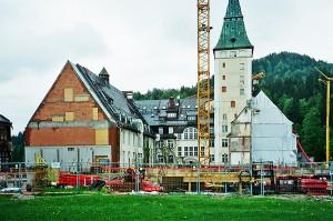 Nach dem Brand 2005 konnte nur 1/3 von Schloss Elmau gerettet werden © Holger Jacobs