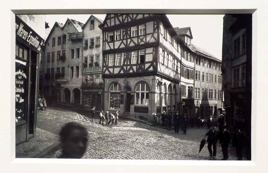 """Eisenmarkt in Wetzlar"", 1914, © Oskar Barnack, credit: ""100 Jahre Leica"" C/O Galerie Berlin 2015"
