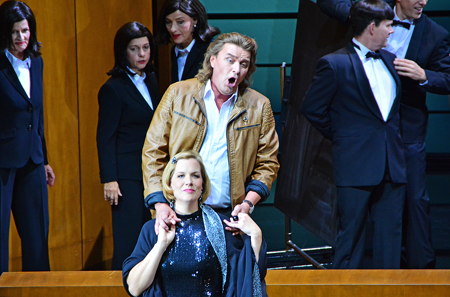 """Walther von Stolzing (Klaus Florian Vogt) und Eva (Julia Kleider), """"Die Meistersinger von Nürnberg"""", Staatsoper Berlin 2015 © Holger Jacobs"""