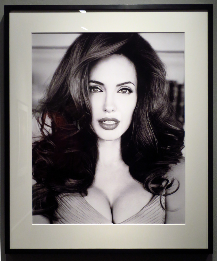 Angelina Jolie, 1999, photo by Patrick Demarchelier, Camera Work Gallery © Holger Jacobs