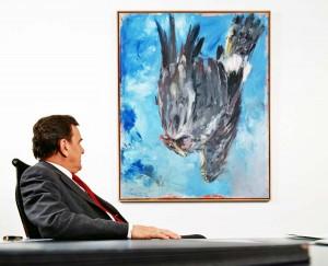 """Bundeskanzler Gerhard Schröder veranlasste 1998 den Ankauf von Baselitz Bild """"Der Adler"""" für das Kanzleramt © Werner Bartsch"""