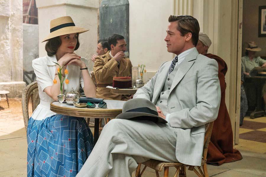 """Marion Cotillard und Brad Pitt in """"Allied - Vertraute Fremde"""" © Paramount Pictures"""