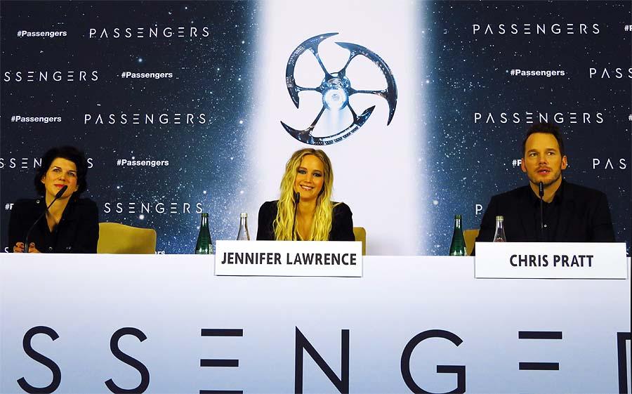 """PASSENGERS"", Pressekonferenz im Hotel Adlon, Jennifer Lawrence und Chris Pratt, Foto: Holger Jacobs"